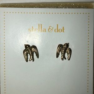 Stella & Dot Swallow Studs - RETIRED-